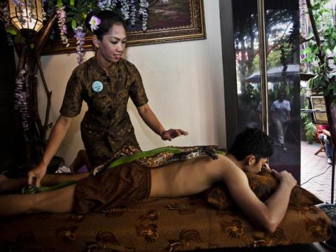 masajes-indonesia-serpientes.jpg